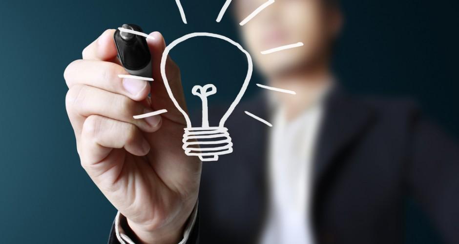 En algunas ocasiones tenemos unas ideas brillantes que son las que podrían ser únicas y que jamás pueden repetirse. No debe de ser algo extraño el que algunos digan que como se puede hacer para que nadie más pueda hacerse dueño de algo que tú mismo lo creaste. Para este problema puedes encontrar la solución de poder patentar la idea maravillosa que has tenido. Y ¿cómo patentar una idea?, es lo que muchos se preguntan y que puedes hacer para que solo tú seas el propietario de tus ideas. Como saber patentar una idea • En el momento en que la idea entre a tu cabeza corre de inmediato a la oficina para las patentes más cercana, pero antes de que hagas esto, debes de saber el sistema de patentes, y los pagos que se deben de hacer en las tasas, debes saber cómo es que se debe de redactar una buena memoria de patentes, esto es muy importante en el momento en que tengas que escribir tu idea. • La información para que puedas saber todo sobre como patentar una idea, la puedes encontrar en alguna página web de marcas y patentes. Y para que todo esté bien puedes escribir en una cara de un folio, los aspectos más fundamentales que tenga tu idea, y el por qué crees que es novedosa. • Solicita en la oficina de patentes un informe que sea tecnológico, o un algún informe de patentabilidad. Esto puedes hacerlo entregando el folio donde has escrito tu idea. • Cundo tengas ya el informe, si es negativo, debes de buscar algún proyecto que se parezca al tuyo, y así seguirás con las intenciones de patentar la idea, debes de mejorar las ideas que tengas o también pueden pensar en buscar otra alternativa, si lo que quieres es saber cómo patentar tu idea muy bien. • Una vez ya la tengas, pasa a redactar tu patente a la misma oficina que acudiste, para que aquí te den los formularios que quieras y los necesarios, que son los que debes de entregar cuando ya hayas pagado las tasas necesarias. • Cuando ya hayas pagado todo, si no tienes ningún problema y todo parece estar bien y normal, si la do
