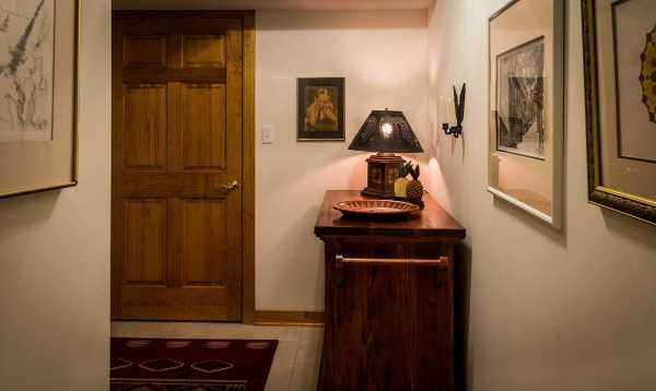 lampara en pasillo