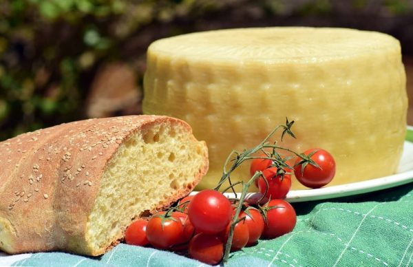 quesos y tomates son utiles a la dieta mediterranea