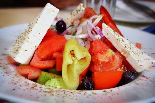 un plato de dieta mediterranea