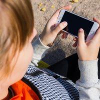 Niños con móvil: el debate sobre la edad 1