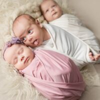 Triplets. Polycarpous pregnancy. emotions of children.